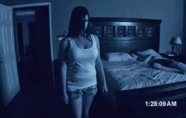 Katie has paranormal problems in Paranormal Activity