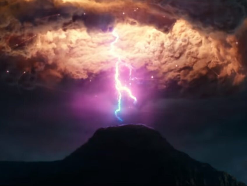 Strange lights from the sky in Ghostbusters: Afterlife